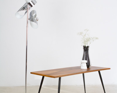 Perfectly Restored Coffe Table with Metallic Legs and Walnut Top, 1960s