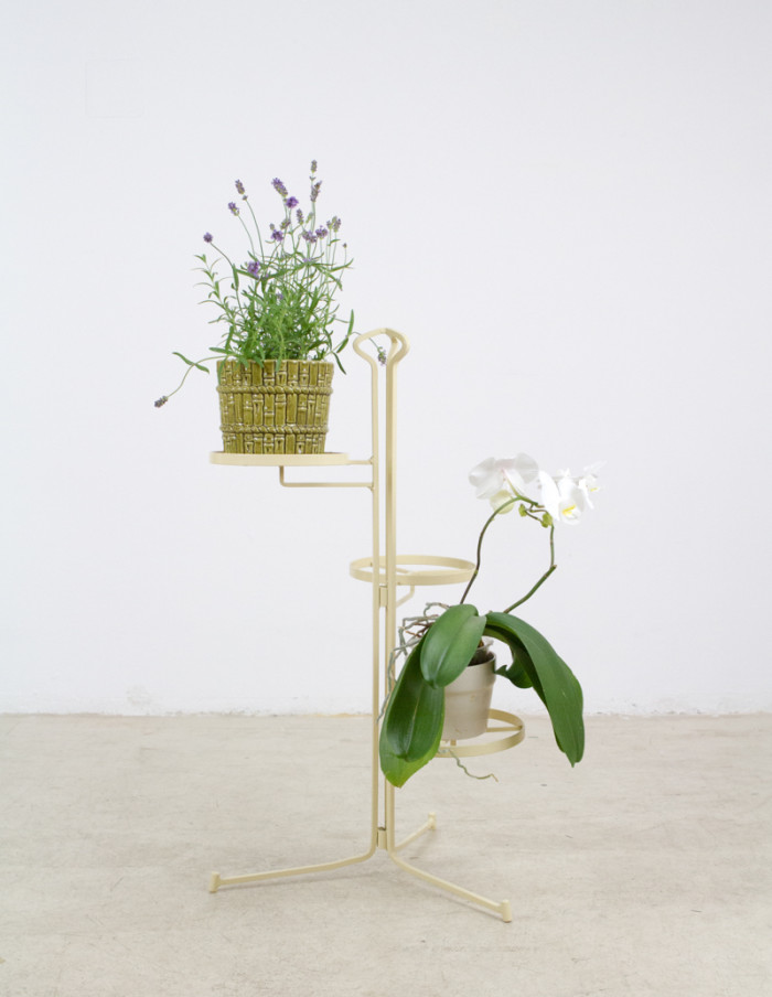 Beige_Iron_Plant_Stand_1960s-1