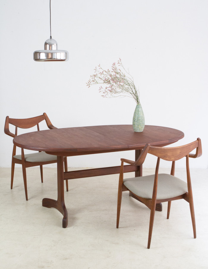 Perfectly_Restored_G-Plan_Teakwood_Extendable_Dining_Table -16