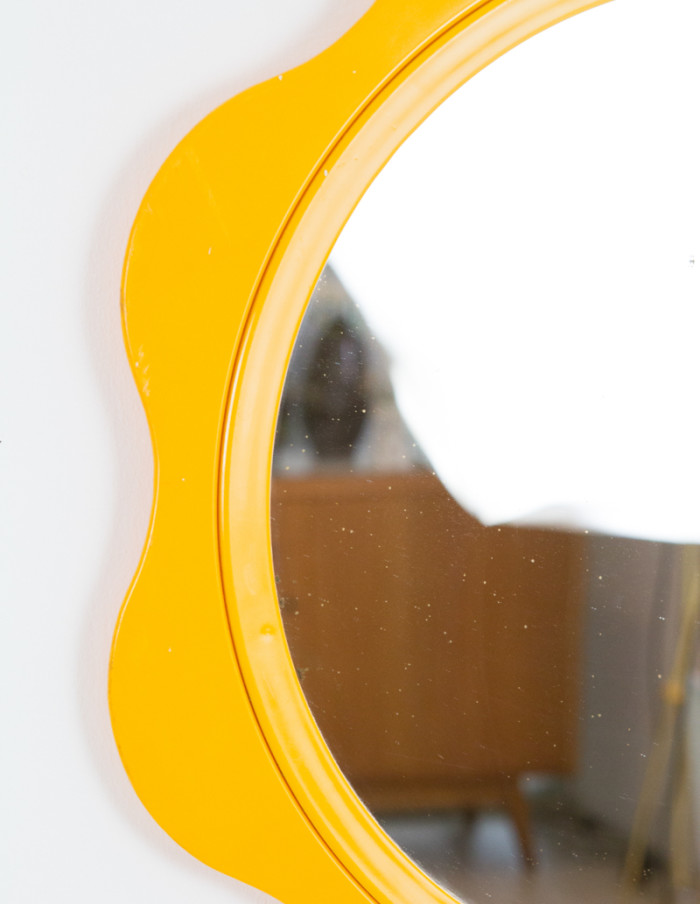 Yellow_Finnish_Mirror_1970s-3