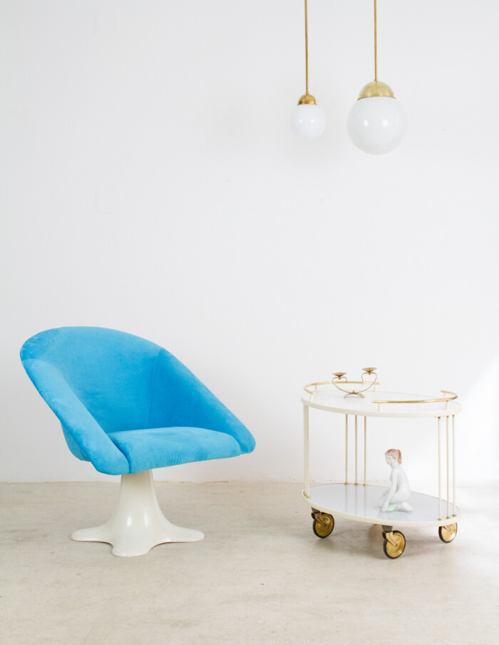 Space age Spinning Chair with Stunning Colour-24