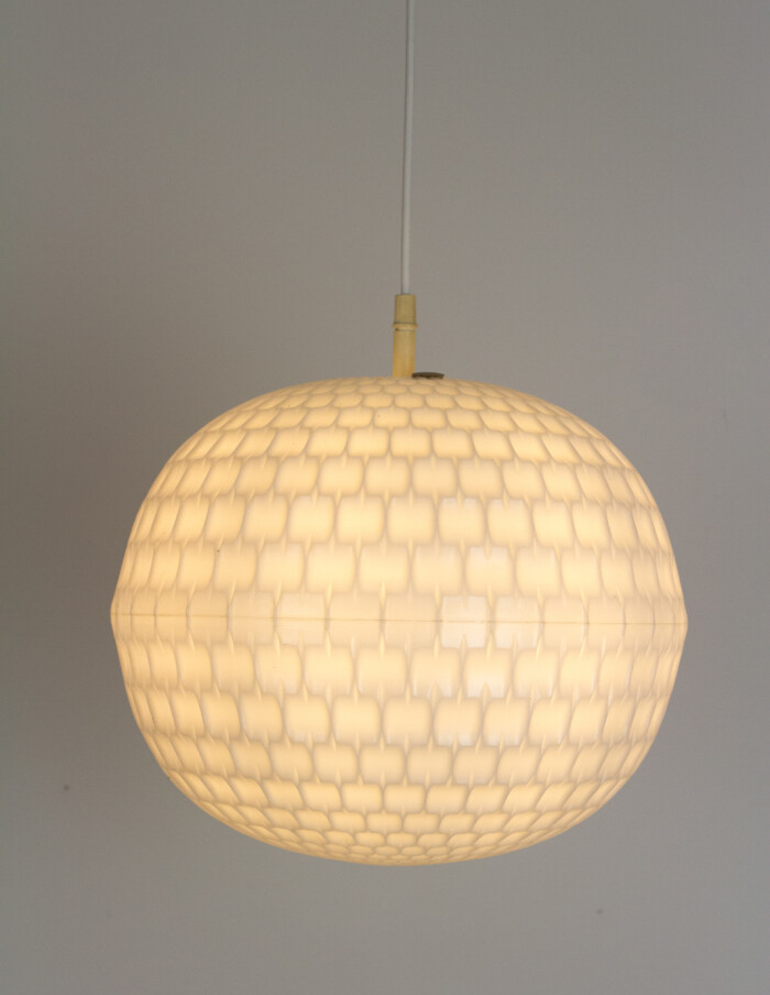 Large Globe Pendant in White Vynil, 1970s -13