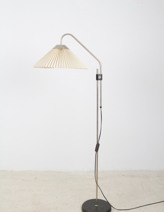 Black and Chrome Floor Lamp with Original Shade, 1950's -1