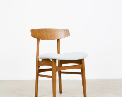 Danish Dining Chair from the 70's with fresh upholstery (2 pieces available)