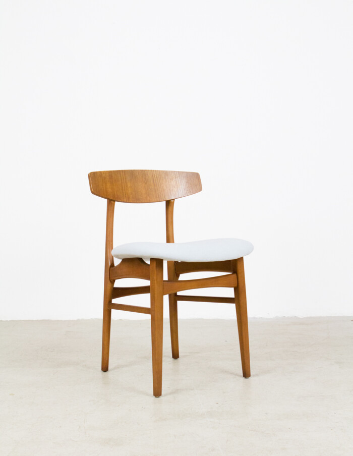 Danish Dining Chair from the 70's with fresh upholstery -1